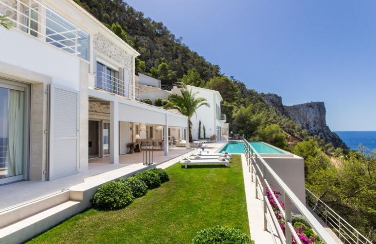 THE VILLA LuxDEL SOL SPAIN. Balearics Islands. Mallorca
